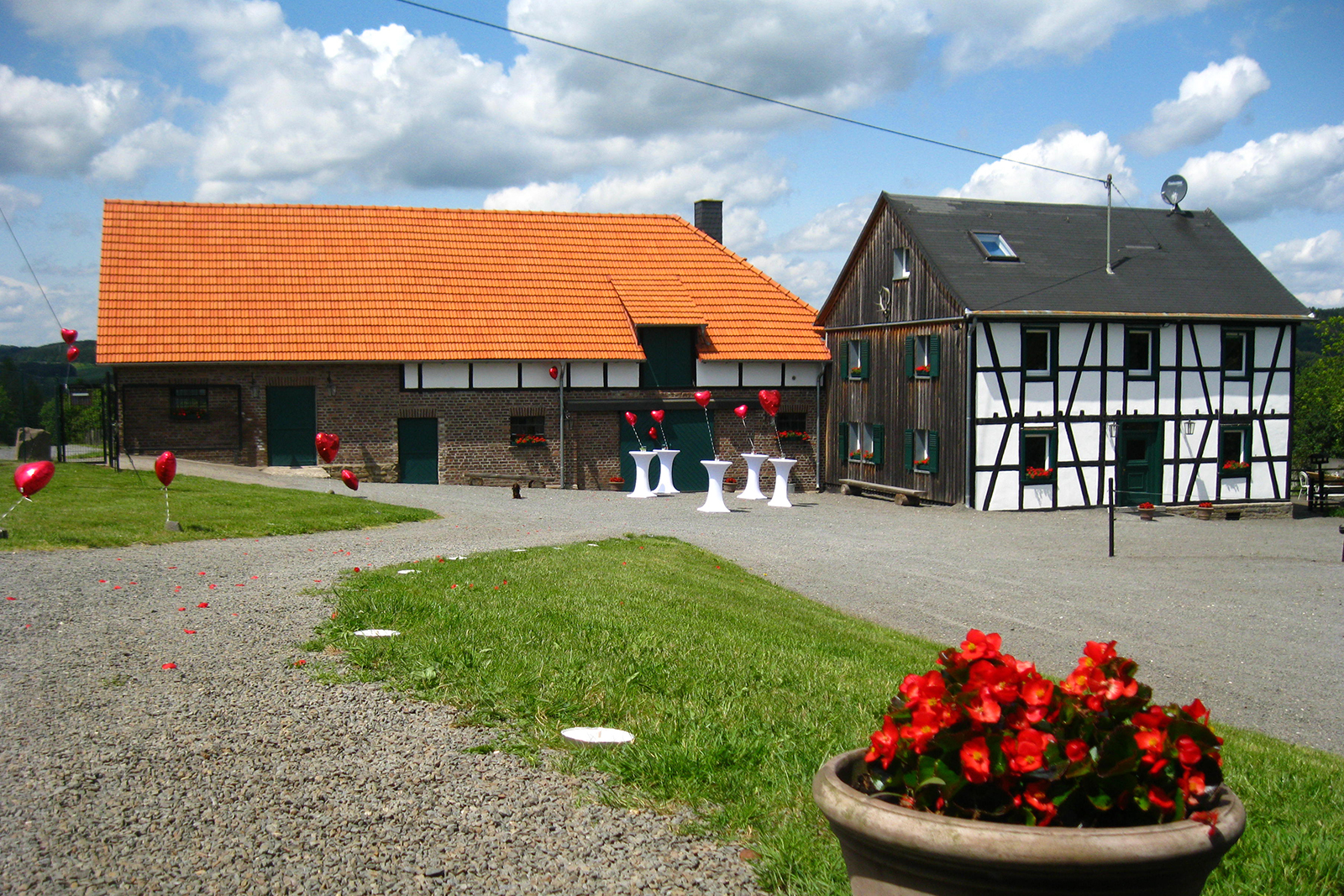 Decorated exterior surfaces for wedding, marriage, wedding ceremony, party and event near Cologne